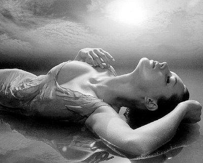 20130705075918-mujer-de-agua.jpg